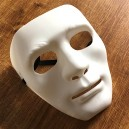 Bílá maska k pokreslení